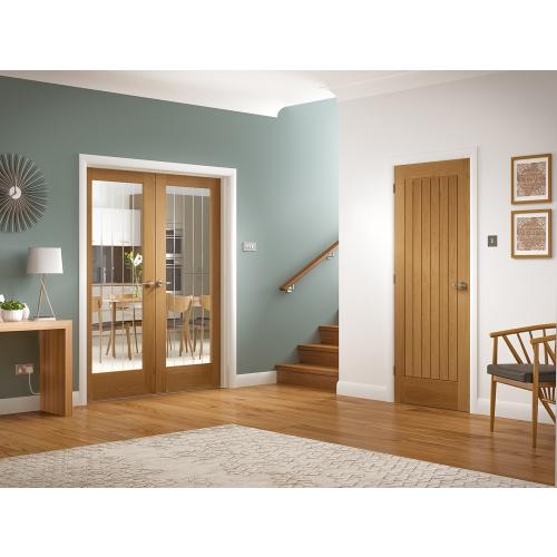 Suffolk-Internal-1-Light-Oak-Door-with-Clear-Etched-Glass